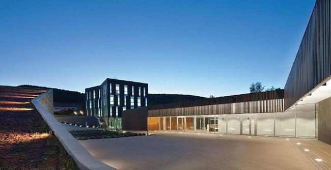 I место в номинации «Зеленые технологии», «Архитекторы»: VIRAI ARQUITECTOS (Испания), проект винодельни La Grajera.Слева винодельня, в центре – офисное здание, справа – административное.