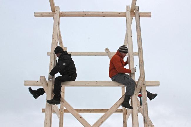 Рабочие фермы. Фотография Ивана Овчинникова