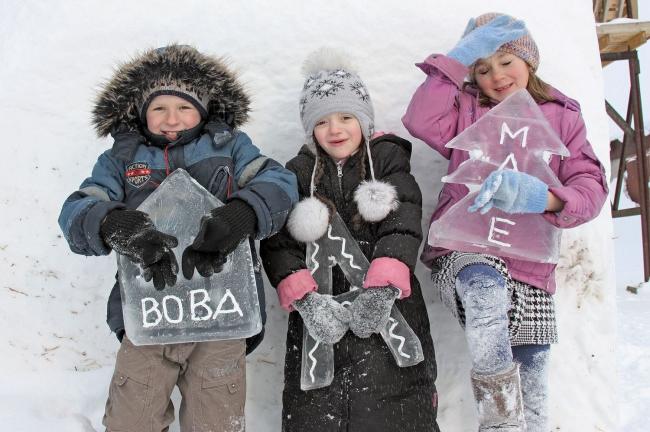 Занятия с детьми. Фотография Ивана Овчинникова
