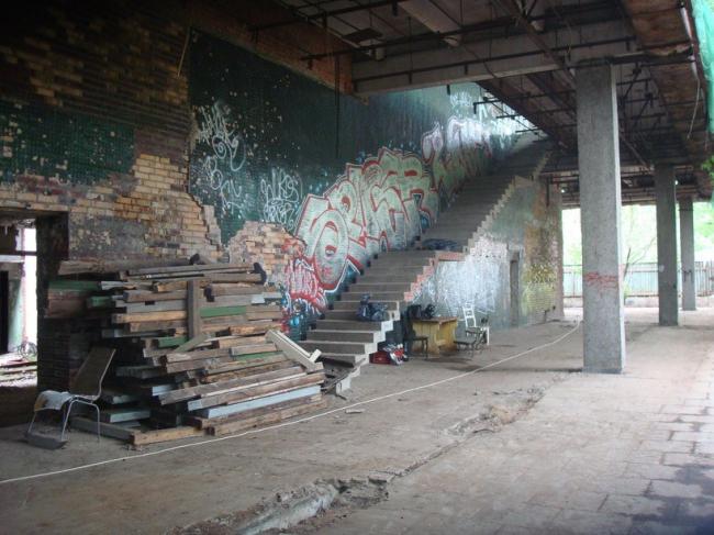 Музей «Гараж» в Парке Горького. Вид здания до реконструкции. Март 2012 © OMA