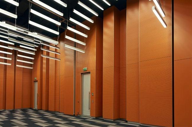 Атриум бизнес-центра: German Centre for Industry and Trade Moscow — Архитектурная мастерская Сергея Эстрина.