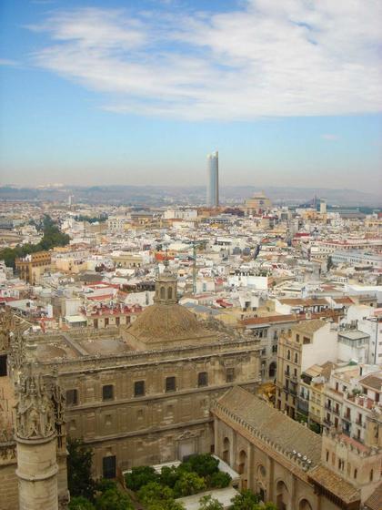Башня «Пуэрто Триана» в Севилье. Проект. Фотомонтаж. Вид из центра города