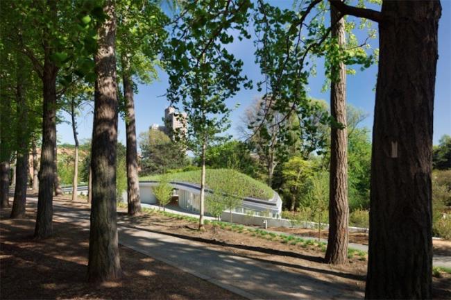 Посетительский центр Бруклинского ботанического сада © Albert Vecerka/Esto