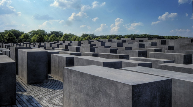 Мемориал убитым евреям Европы. Фото: Wolfgang Staudt via Wikimedia Commons. Лицензия CC-BY-2.0