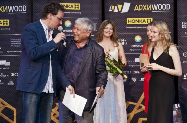 Тотан Кузембаев победил по выбору жюри в номинации «Малый объект». Фотография Анны Пешковой