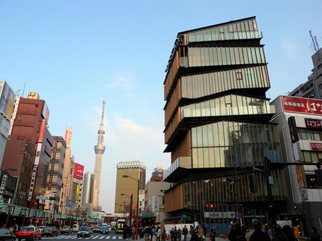 Asakusa Culture Tourist Information Center, фотография Akasaka Moon