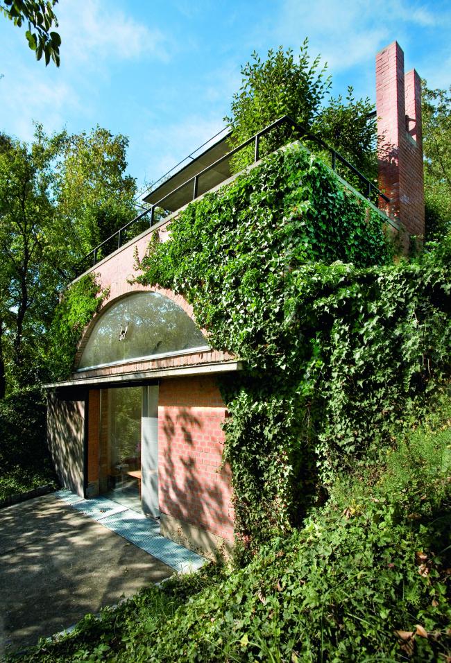 Победитель номинации «Перепланировка» - архитектурная мастерская из руин. Архитектор Pavol Panak (Братислава, Словакия). Фотография Tomas Manina.