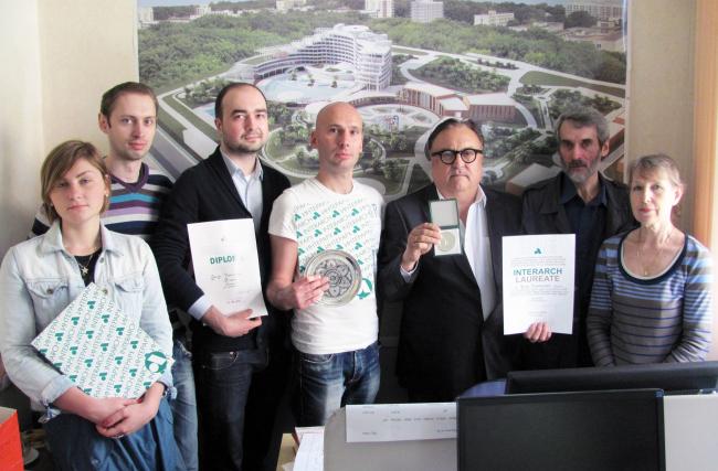 Архитекторы ПТАМ Юрия Виссарионова с наградами и дипломами триеннале