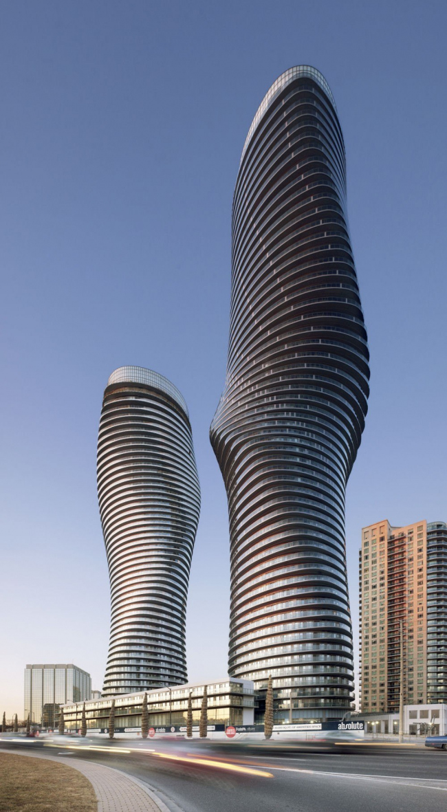 Бюро MAD. Жилой комплекс Absolute World Towers в Канаде © Tom Arban