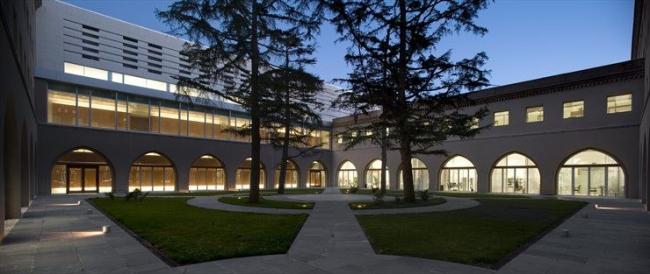 Администрация Сарагосы в здании бывшей семинарии © Antonio Ceruelo