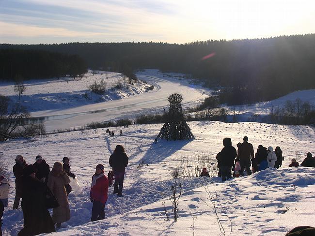 Вид на реку Угру и башню Николая Полисского.
