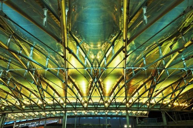 Коммерческий и досуговый центр в районе Lyon Confluence © Takuji Shimmura