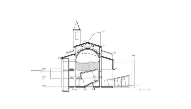 Аудитория в бывшей церкви монастыря Св. Франциска © David Closes