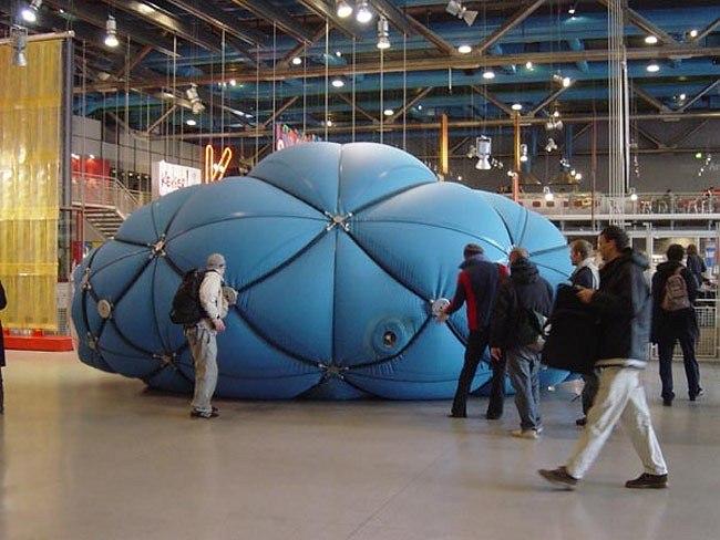 Кас Остерхуз  и исследовательская группа Hyperbody, эксперименты с мускульной архитектурой: инсталляция Muscle Non-Standard Architecture в Центре Помпиду, Париж