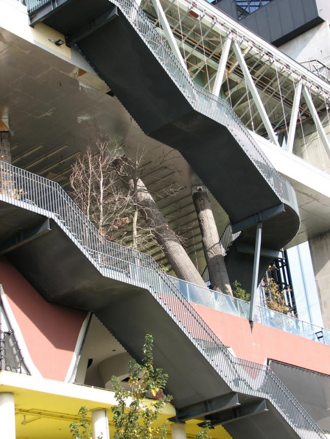 Павильон Нидерландов на ЭКСПО 2000. Фото: Daniel @colblindor via flickr.com. Лицензия CC BY 2.0
