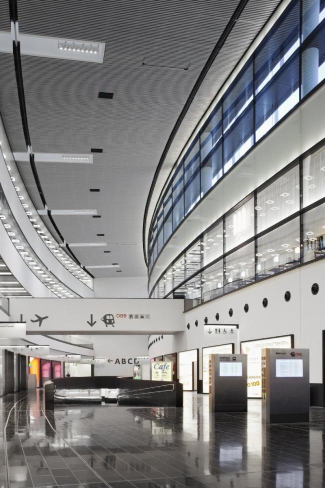 Терминал Skylink Венского международного аэропорта © Werner Huthmacher