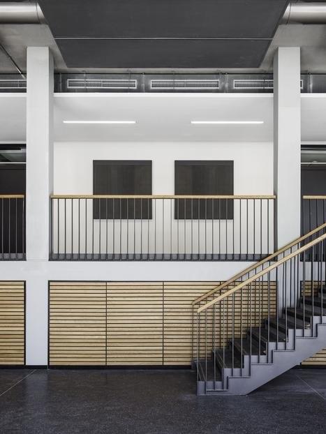 Главный корпус Технического университета Гамбург - Гарбург © Heiner Leiska