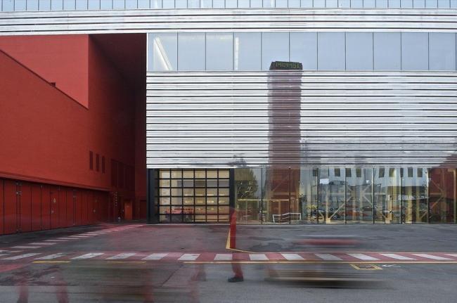 Цех завода Ferrari в Маранелло, Модена. Жан Нувель, 2009. Фото предоставлено Biennale di Venezia