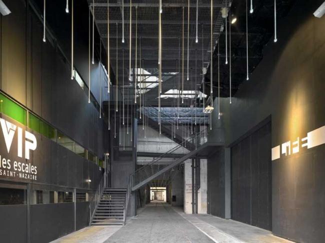 Культурный центр Alvéole 14 в Сен-Назере. Бюро LIN. Фото Christian Richters