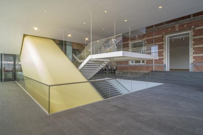 Музей Стеделейк - новое крыло © John Lewis Marshall & Jannes Linders