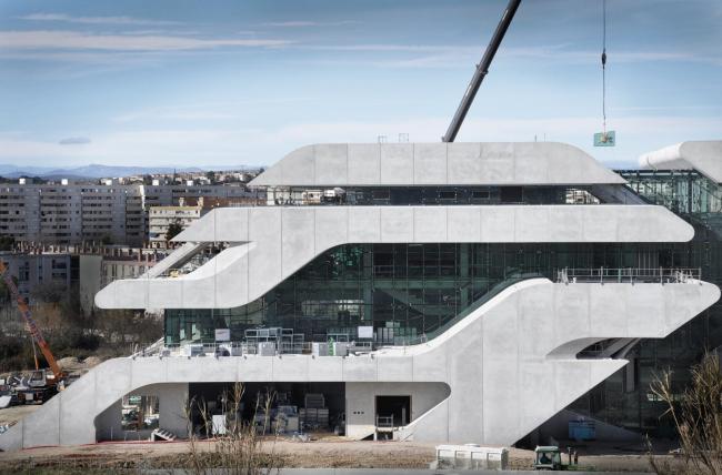 Комплекс Pierresvives в процессе строительства  © Zaha Hadid Architects