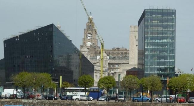 Многофункциональный комплекс Mann Island в Ливерпуле фирмы Broadway Malyan. Фото с сайта bdonline.co.uk