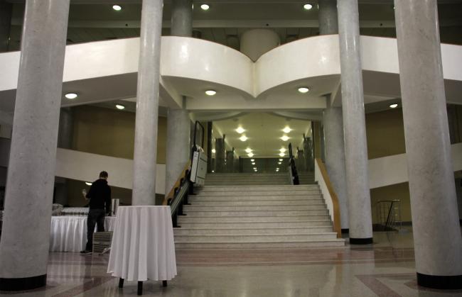 Пандус вестибюля. Фотография Ю. Тарабариной