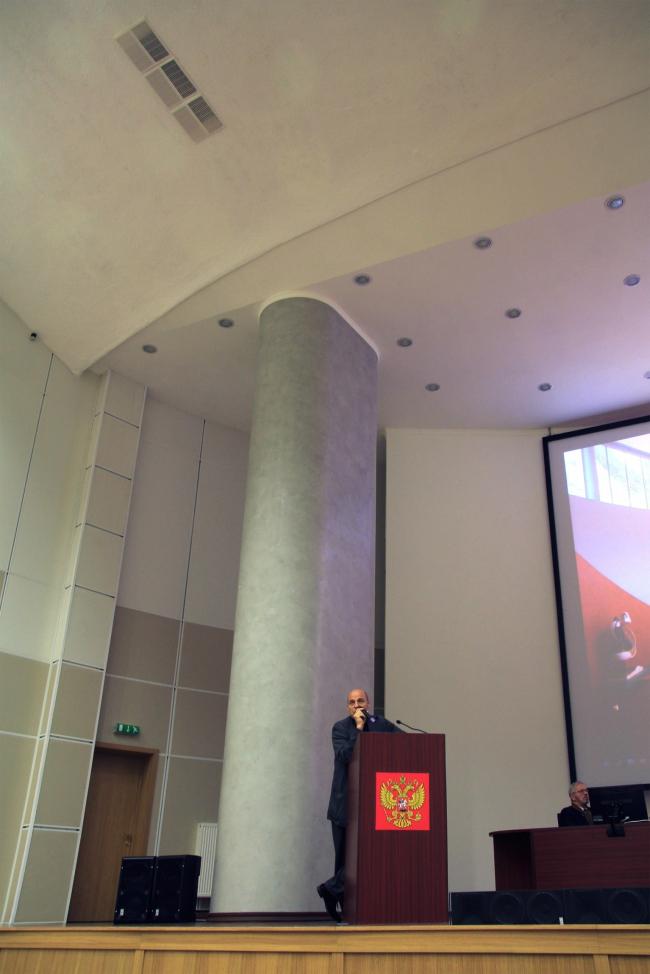 Жан-Луи Коэн на сцене Корбюье. Фотография Ю. Тарабариной