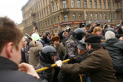 Революция в Петербурге: массовые протесты против губернатора города и небоскреба «Газпром-Сити».