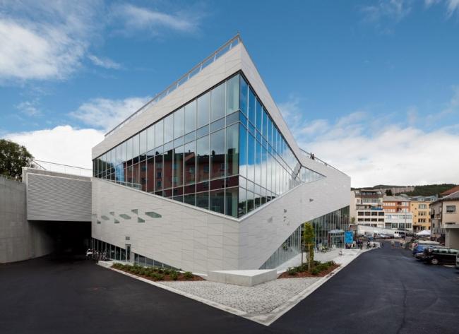 Культурный центр Plassen © Adam Mørk