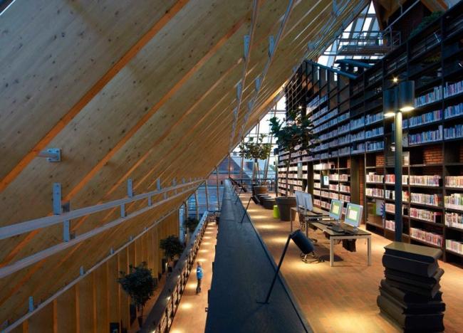 Библиотека Boekenberg в Спейкениссе © Jeroen Musch