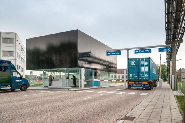 КПП индустриального парка Kleefse Waard © Ralph Kamena