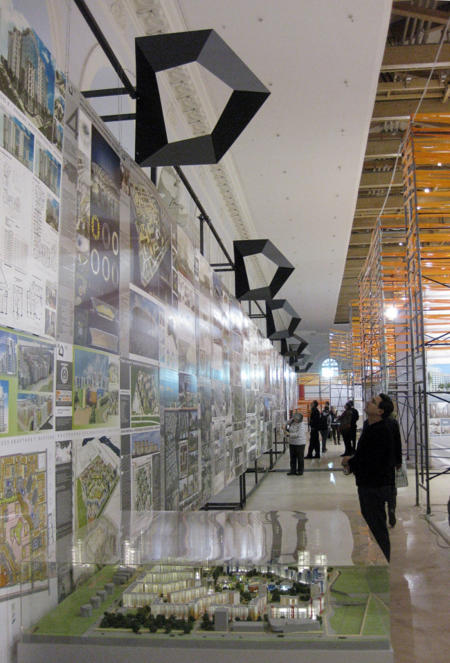 Экспозиция «Проекты» на фестивале «Зодчество»-2012. Фотография Анны Мартовицкой, Archi.ru