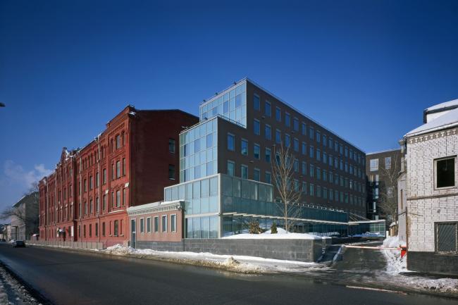 Офисное здание на Пречистенской набережной. Реализация, 2004 © АБ Остоженка