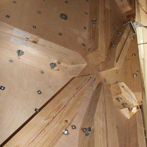 Параметрические скалодромы. Задняя поверхность. Фото с сайта dehoutprijs.nl
