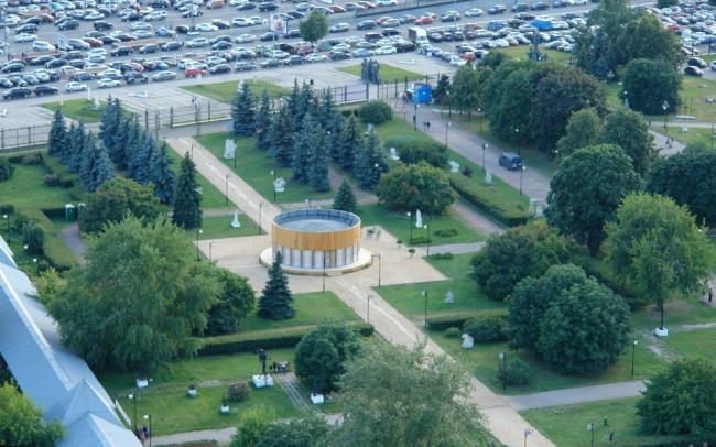 Павильон «Школа», Москва, парк «Музеон». Архитекторы: Игорь Чиркин, Алексей Подкидышев. Фото: Нина Фролова