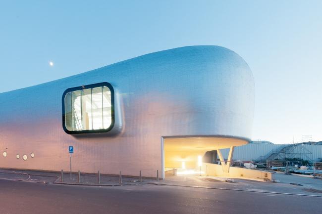 Олимпийская ледовая арена © Marc Detiffe