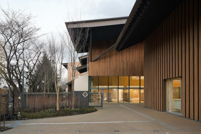 Начальная школа университета Тэйкё © Kengo Kuma and Associates