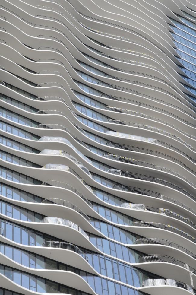 Башня Aqua. Фото Paperclips0701