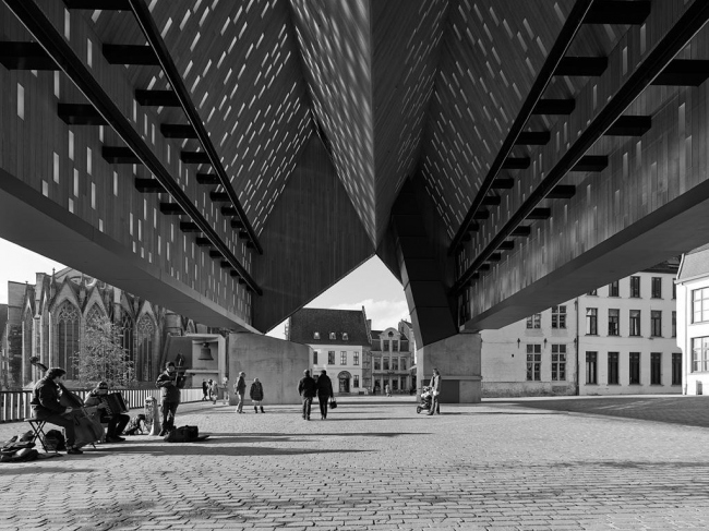 «Рынок» в Генте. Robbrecht en Daem architecten и MJosé Van Hee architects. Фото © Marc De Blieck