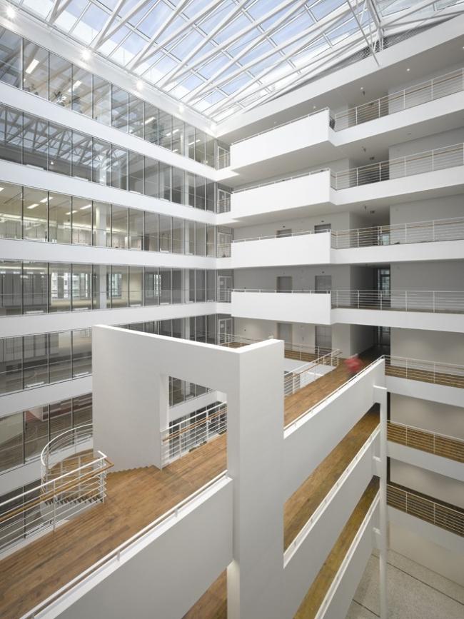 Офисное здание City Green Court © Roland Halbe
