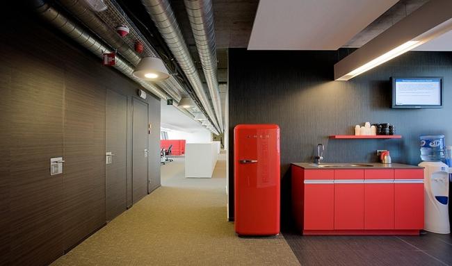 Офисный комплекс компании Cegeka и местной администрации. Фото: Alan Franzolini