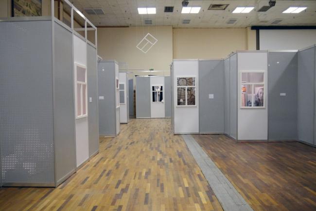 Выставка «Интерьер в чужом окне»