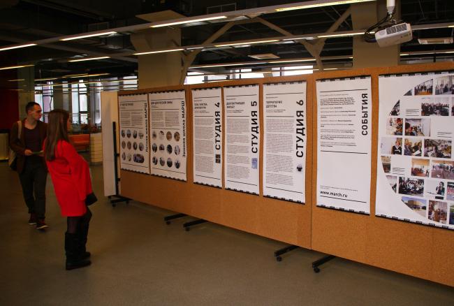 Выставка студенческих работ первого семестра. Фотография Аллы Павликовой