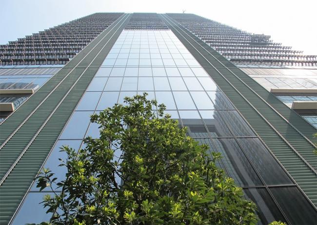 Небоскреб Japan Post Tower © JAHN