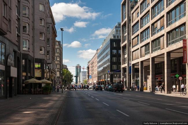 Фридрихштрассе. Фотография Василия Бабурова, http://townplanner.livejournal.com/