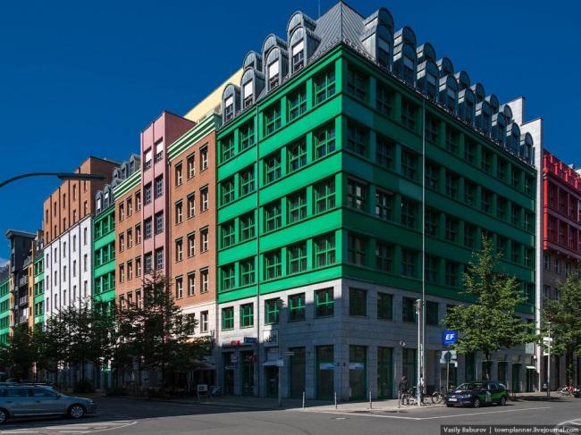 «Дом-коллаж» Альдо Росси. Фотография Василия Бабурова, http://townplanner.livejournal.com/