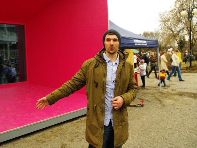 Станислав Цуканов о проекте «Микродом, где идет дождь». Фотография Аллы Павликовой