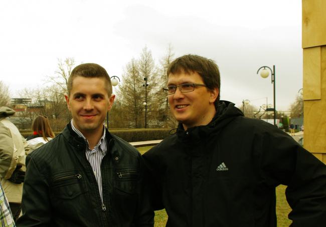 Справа: Петр Малиновский, автор проекта «Шильдик». Фотография Аллы Павликовой