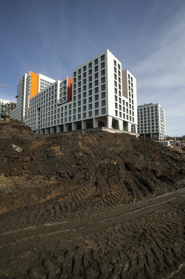 Жилой комплекс «Акварели». Фотография Алексея Лерера, 15.04.2013, в процессе строительства. Предоставлена АБ «Остоженка»